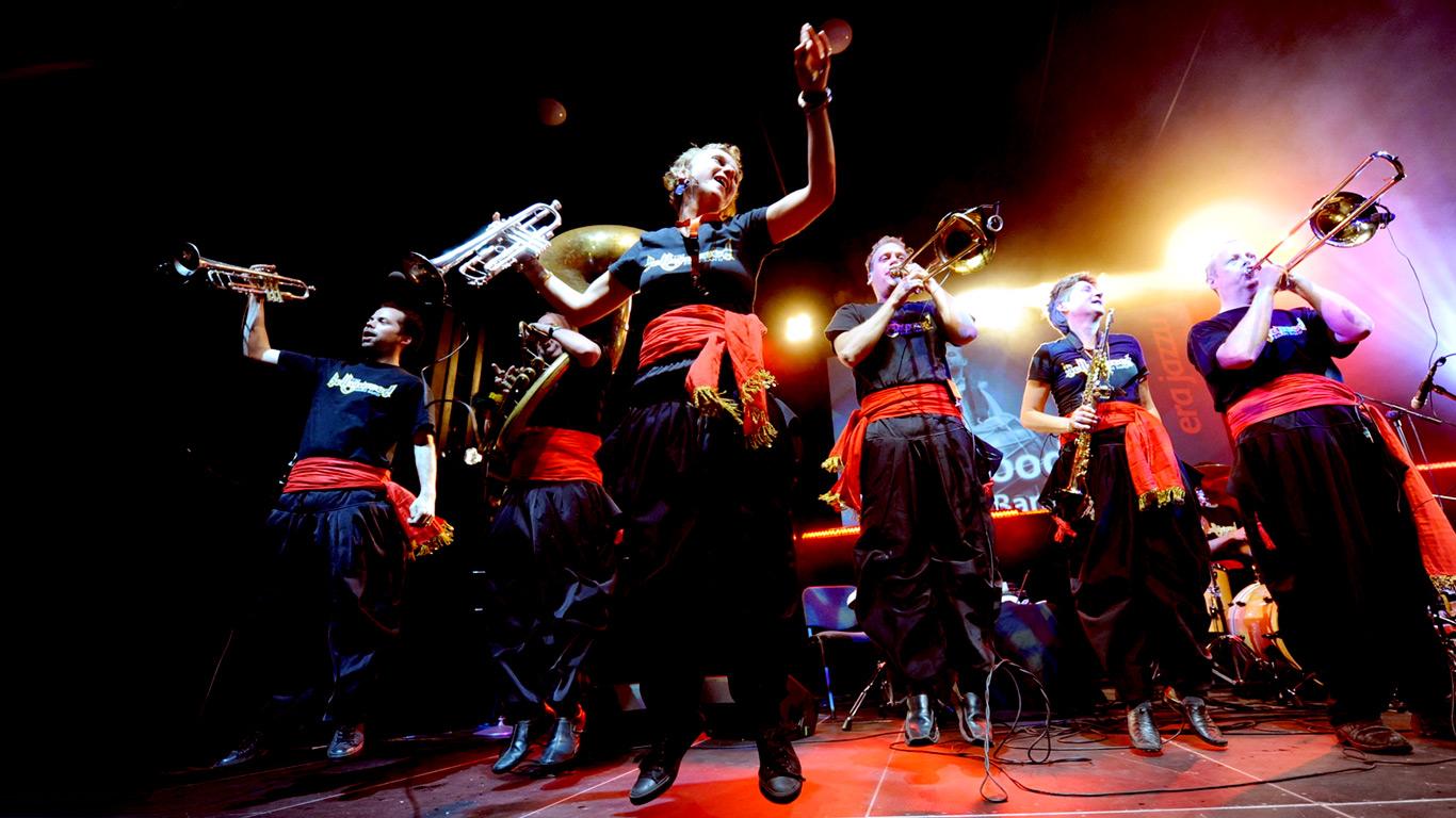bollywood-brass-band–sliders–festivals–001